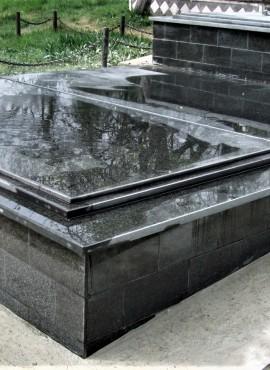 Mormant granit Model 13